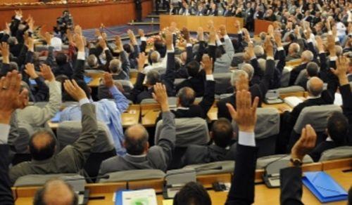 الإصلاحات السياسية في الجزائر تثبيت للفساد
