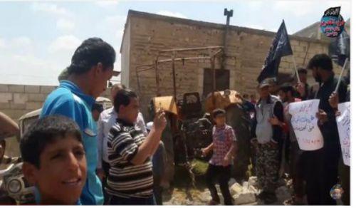 Wilaya Syrien: Eine Demonstration im Dorf Bardaqli gegen die in Al-Ghouta kämpfenden Fraktionen