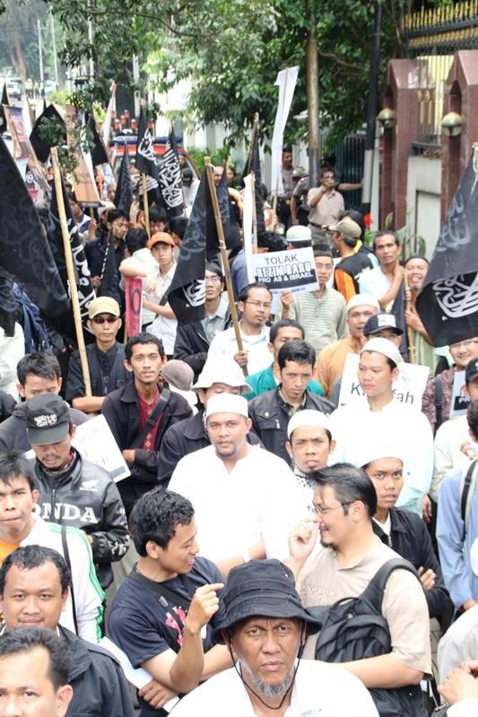 http://www.hizb-ut-tahrir.info/info/images_topics/Image/wilayat/Indonisia/2011/02/misr%200802/IMG_1511.jpg