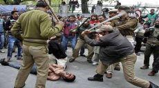 نظامیان تروریست هندو رهبران مجاهدین کشمیری را به شهادت میرسانند، اما رژیم بجوا-عمران ضمن اینکه به هندوها کمک نمود، با قساوت از تجهیز افواج مسلح پاکستان بخاطر حمایت از مسلمانان کشمیری نیز امتناع ورزید!