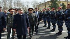 Özbekistan Hükümeti, Savunmasız Kadınlara Güç Gösterisinde Bulunuyor!