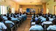 Hükümet Eğitim Müfredatına Batı Değer ve Kültürünü İyice Yerleştiriyor